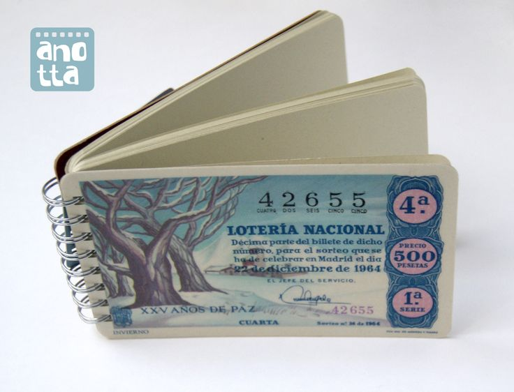 Libreta hecha a mano reciclando un antiguo décimo de lotería de navidad de 1964.