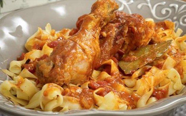 Κοτόπουλο+κοκκινιστό+με+χυλοπίτες