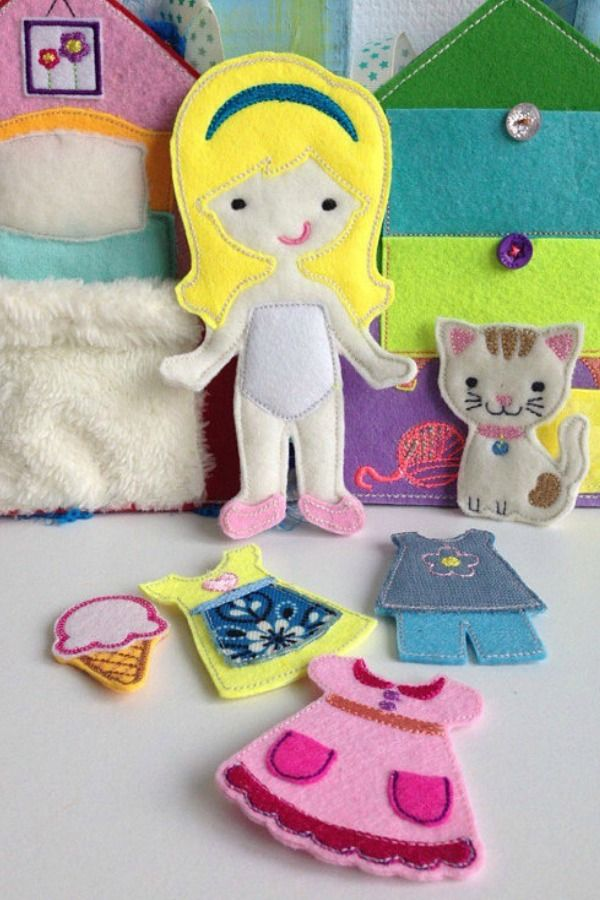 With a felt book, you and your child can come up with an entertaining story about a beautiful girl and her kitty. #quietbook #busybook #gift #felt #ad