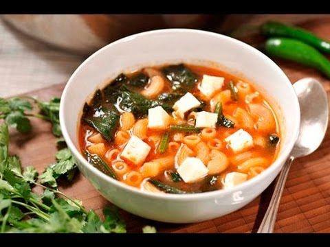 Sopa de coditos con espinaca al estilo de Sonia Ortiz por Cocina al natural