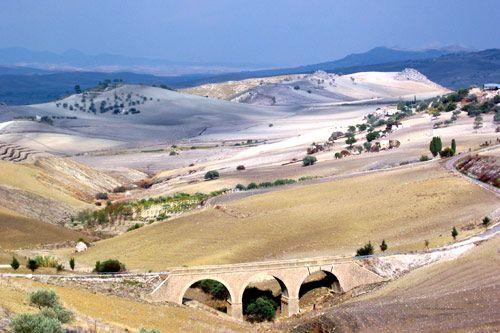 Paysage de la Sicile. arrière pays région de Catane