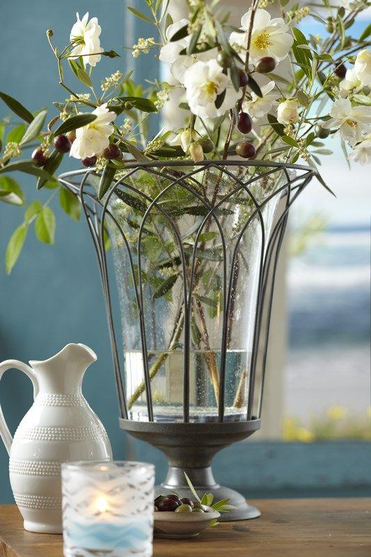 Váza nebo svícen?