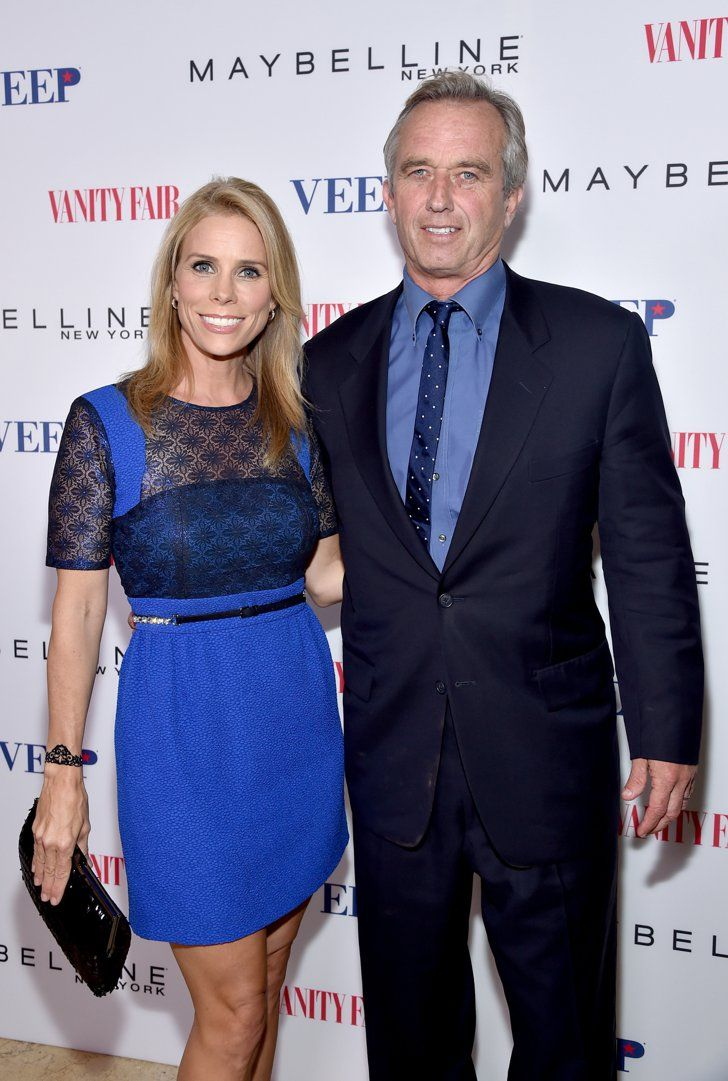 Pin for Later: The Best Celebrity Weddings of 2014! Cheryl Hines and Robert Kennedy Jr. After two years of dating, Cheryl Hines married Robert F. Kennedy Jr. at his family's beachfront Cape Cod compound in Hyannis Port, MA, in August.