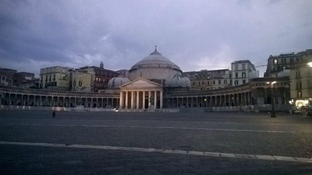 Piazza del Plebiscito #Napoli http://www.ilturistainformato.it/2014/09/24/tappa-a-napoli-con-smartbox/