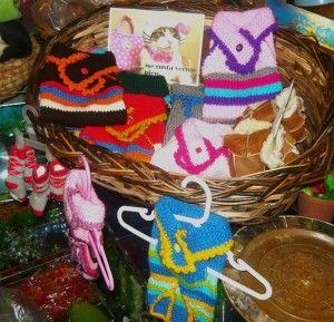 Pilchitas tejidas a mano con dos agujas y terminación en crochet.