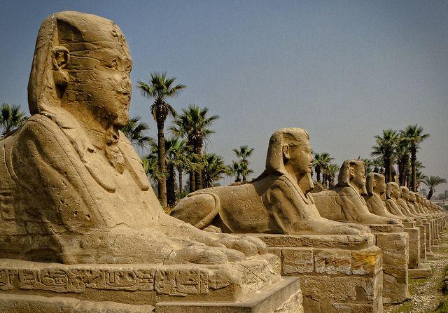 世界遺産 ルクソール神殿 古代都市テーベとその墓地遺跡の絶景写真画像  エジプト                                                                                                                                                                                 もっと見る