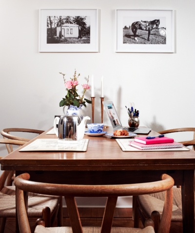 Ebba von Sydow's Home / Kitchen with Spode, Anna Kleberg Photos and Wegner Wishbone Chairs