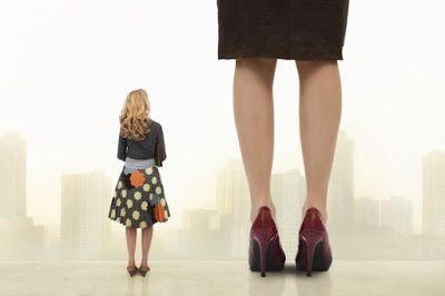 Reis naar Leven van een Vrouw: Dag 743::  De oppervlakkige dimensie waarin je jez...