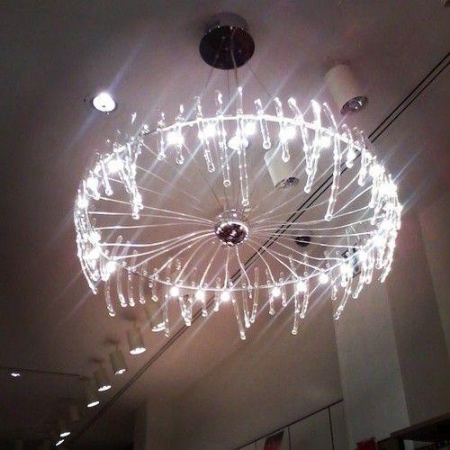 Lámpara de tienda Stradivarius