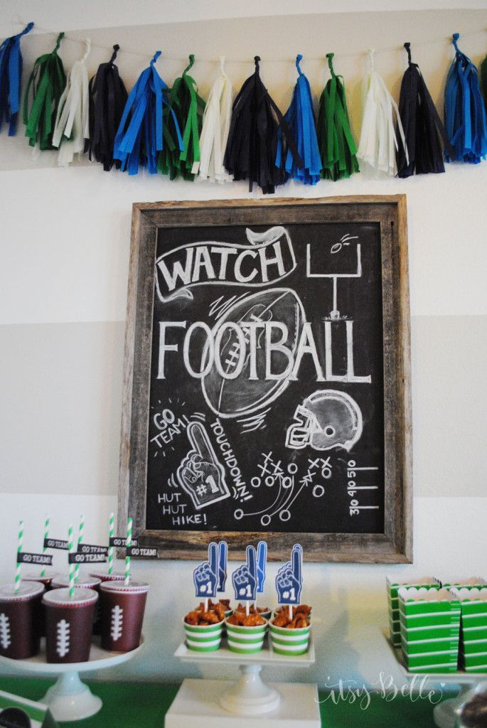 How cute are these Super Bowl decorations?! Use these for your party this Sunday!