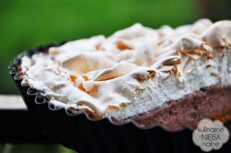Chocolate tart with cream strawberry