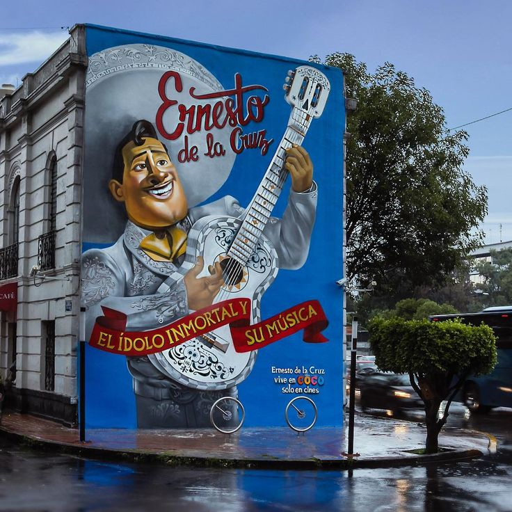 Ernesto De la Cruz  arte para la nueva peli de Disney; COCO  obra del @streetartchilango_crew con @andrik_noble @juicy_colors @jenaro_visualcraft ✨ #mexicomaravilloso #mexicomagico #mextagram #mexico #streetart #mexicocity #mexicomagico #mexicourbano #mexicomaravilloso #cdmx #cdmx2017 #streetartlovers #streetartmexico #streetartchilango #méxico #mexicocreativo #mariachi #musicismylife #musically #rancheras #ernestodelacruz #coco #disney #mural #chilango #graffitimexico #sprayart # #