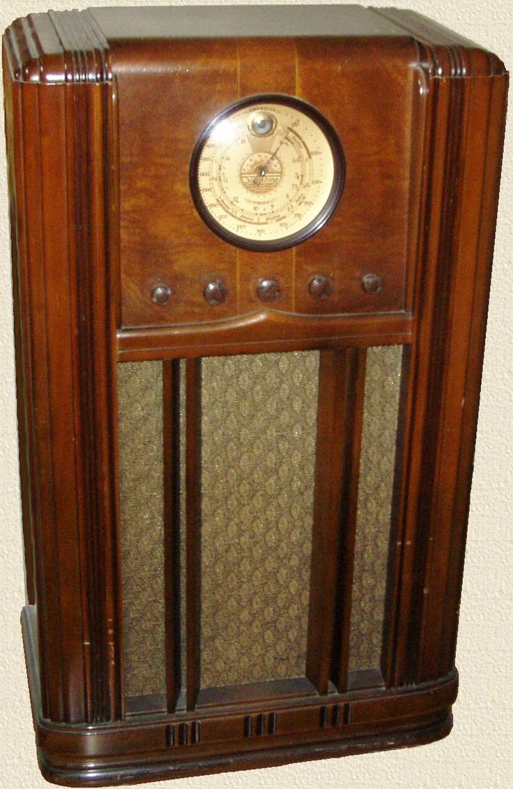 Best 25 antique radio ideas on pinterest retro radios radios and giants game today - Vintage pieces of furniture old times elegance ...