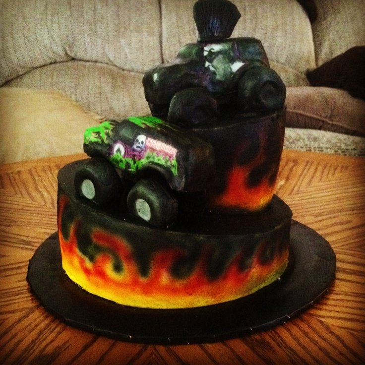 Gravedigger Cake Decorations