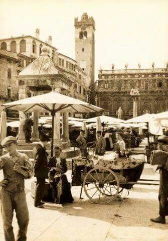 Piazza Erbe all'inizio  della Grande Guerra