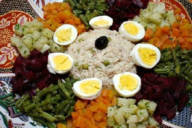 How to Make a Traditional Moroccan Salad Plate or Medley