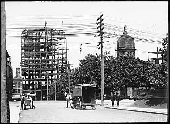 1908 – Hamilton & Pender