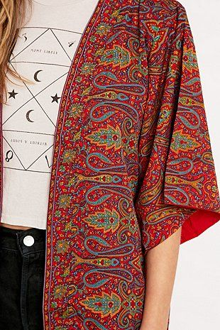 Urban Renewal Vintage Remnants Reversible Sari Kimono in Red - Urban Outfitters