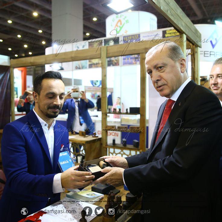 Cumhurbaşkanımıza Osmanlıca Mühür takdim edilirken..   www.kitapdamgasi.com  #damga #mühür #gift #kitap #okumak #sevgi #hediye #kaşe #stamp #wooden #ahşap #kitapdamgası #seal #osmanlıca #ottoman #tv #organizasyon #kurumsal #sipariş #exlibris #ekslibris #tuğra #arma #islami #kişiyeözel #ismeözel