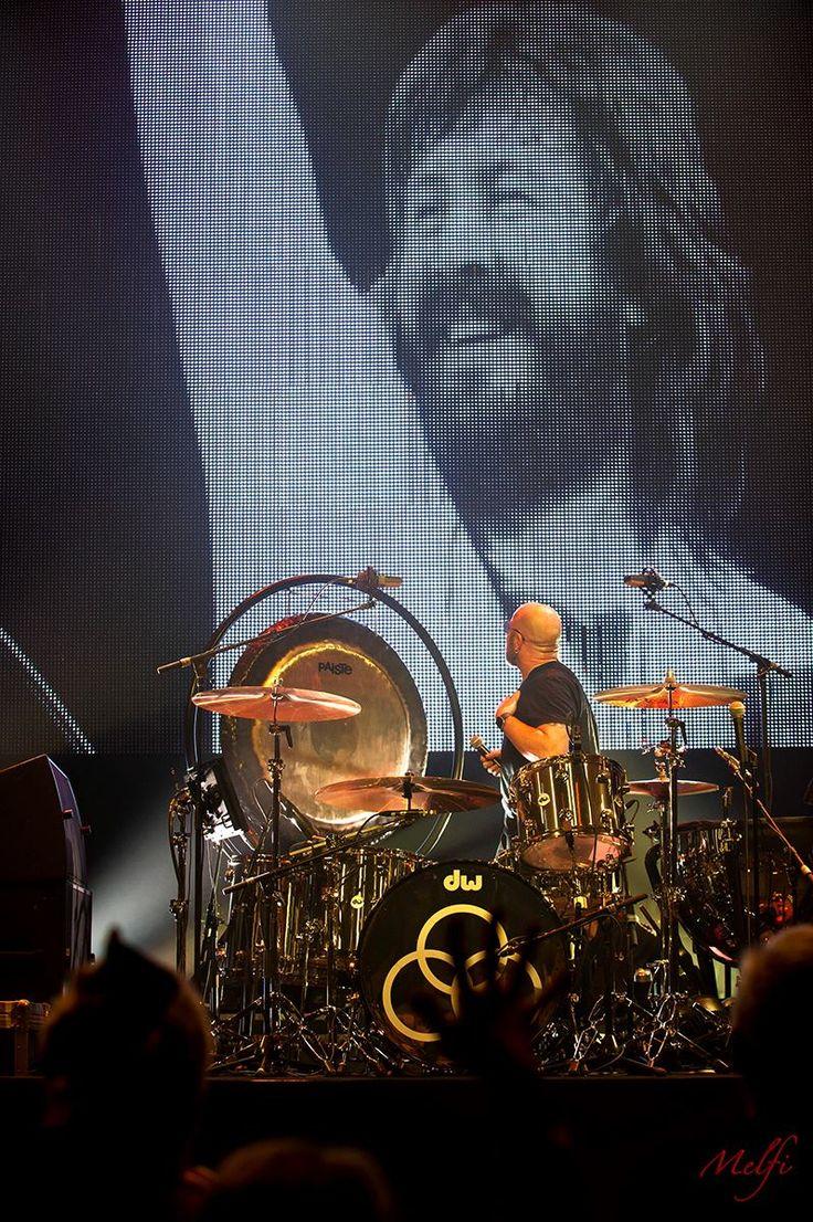 Jason Bonham, what a heartbreaking and wonderful tribute to his Dad, John Bonham.