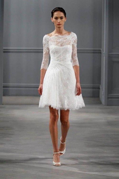 Vestido de novia corto con escote ilusión y manga larga, perfecto para boda civil - Foto Monique Lhuillier