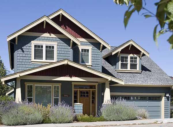 78 images about dormers garage doors craftsman on for Craftsman house plans with bonus room