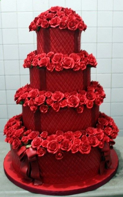 Red Wedding Cake #Rockabilly Red Wedding ... Wedding ideas for brides  bridesmaids, grooms  groomsmen, parents  planners ... http://itunes.apple.com/...  plus how to organise an entire wedding, without overspending  The Gold Wedding Planner iPhone App