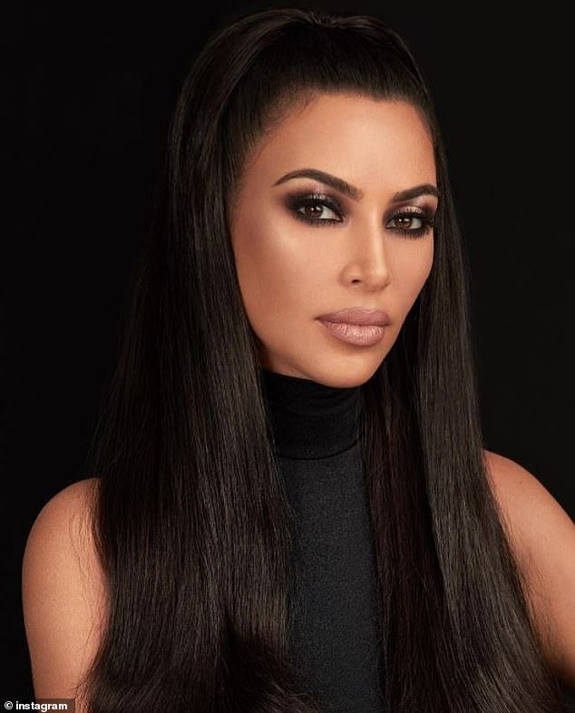 Kim Kardashian Proves She S The Master Of The Smokey Eye Kim Kardashian Makeup Kardashian Makeup Kim K Makeup