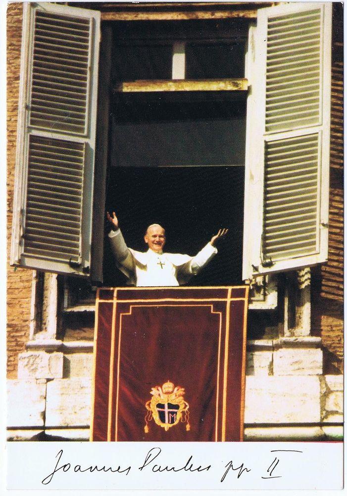 Papst Johannes Paul II segnend am Fenster des Vatikan mit Faksimile Signatur