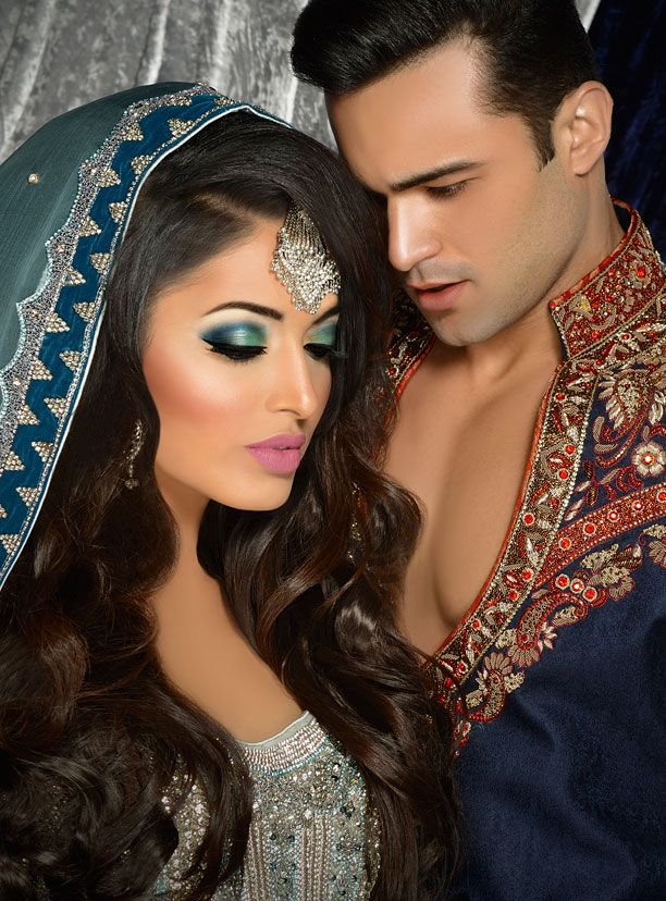 Who says we can't show passion in our wedding photos? Hot poses is the new 'it thing' in desi weddings..