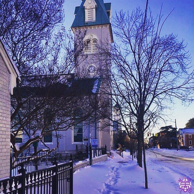 One of the last snow scenes from #Blizzard2016 that we are going to share - at least until the next snow storm. Here is St. George's Fredericksburg in all its glory. #snowscene #snow #fredericksburg #diova #episcopalchurch by thedioceseva