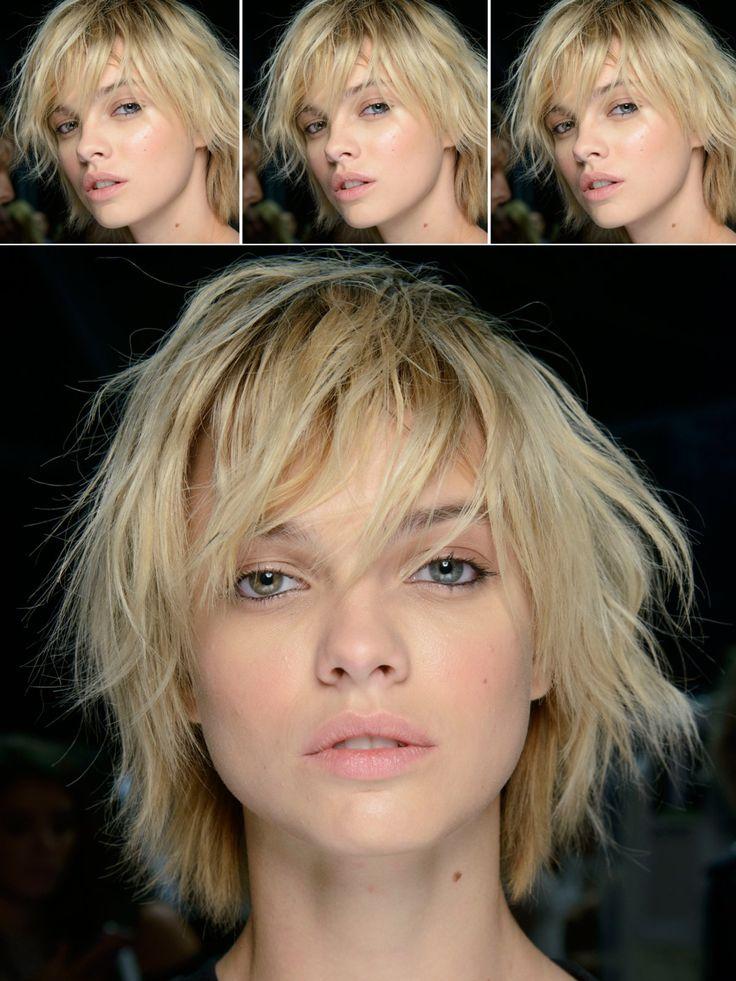 Bei besonders kräftigen Haaren sind Stufen ideal, um dem Ganzen etwas von seiner Schwere zu nehmen. Halblange bis kurze Haare können in diesem Fall problemlos bis auf Ohrhöhe stark durchgestuft werden. Highlights unterstreichen diesen Stufenschnitt von Model Dasha Khlystun optisch und setzen tolle Akzente.