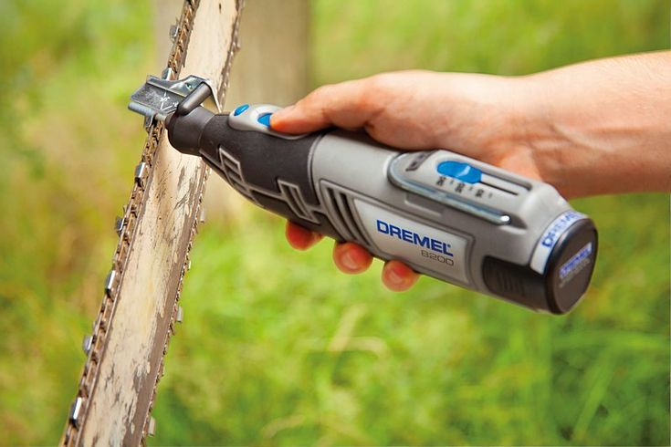 Dremel 8100 with Chainsaw Sharpening Attachment (1453)