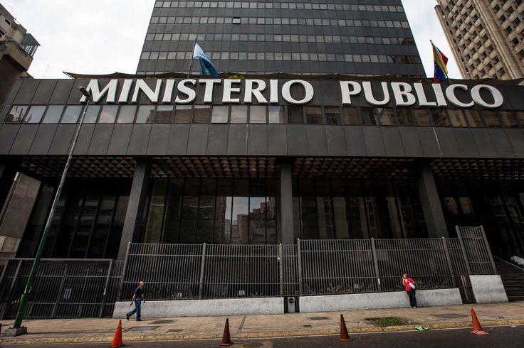 Maduro exige al MP cárcel para los señalados de terrorismo por González López - http://www.notiexpresscolor.com/2016/10/12/maduro-exige-al-mp-carcel-para-los-senalados-de-terrorismo-por-gonzalez-lopez/