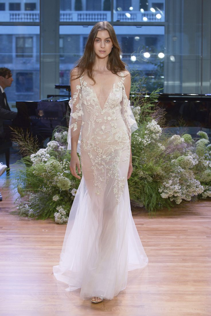 Monique Lhuillier Fall 2017, sheer wedding gown, elegant wedding gown, open shoulders, contemporary, Chantilly lace, plunging V-neck