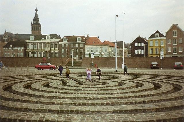 Waalkade, Labyrinth
