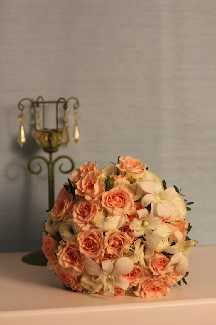 Нежнейший кремовый букет свадьба цветы #wedding букет невесты кустовая кремовая роза орхидея peach wedding bouquet