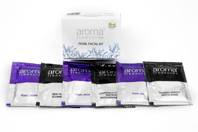 best-facial-kits-for-oily-skin-in-india-aroma-treasures-pearl-facial-kit