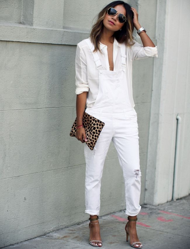 Les sandales minimalistes à talons aiguilles, ou comment sensualiser la salopette en jean (salopette Paige)