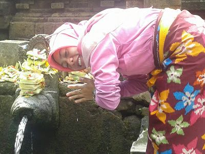 Managament/Research/Trip: Why do visitors interested in Pure Tirta Empul, Ba...