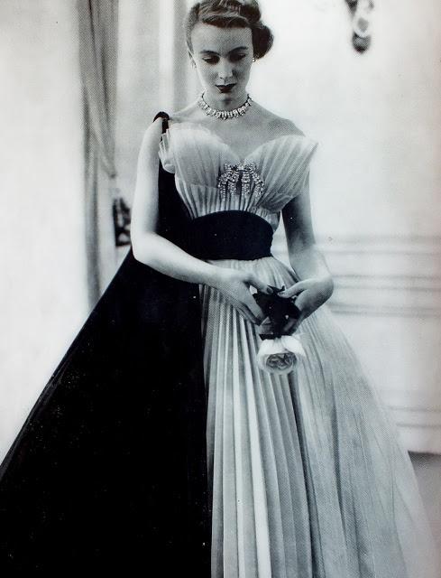 Jeanne Lafaurie dress in L'Officiel de la Mode, October 1951.