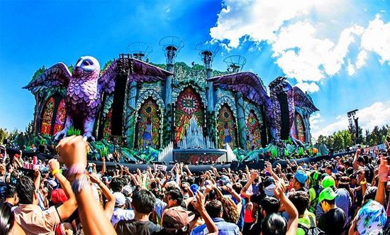 Amazing shot taken at the Electric Daisy Carnival in Mexico - 2015