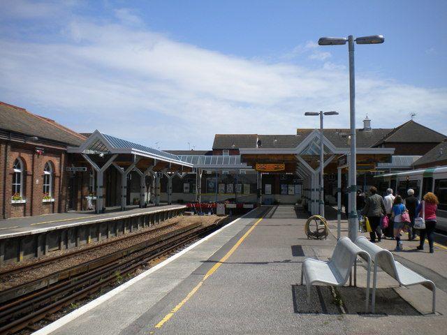 Littlehampton Railway Station (LIT) in Littlehampton, West Sussex