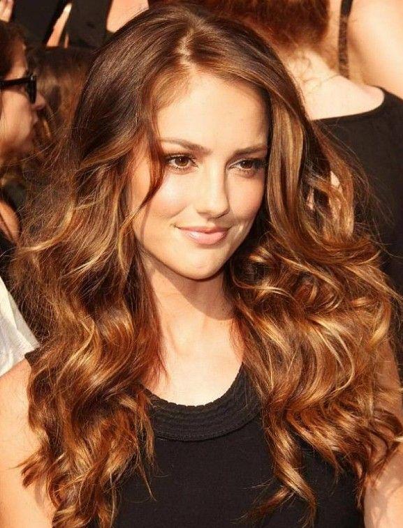 Bal Rengi Dalgalı Saçlar