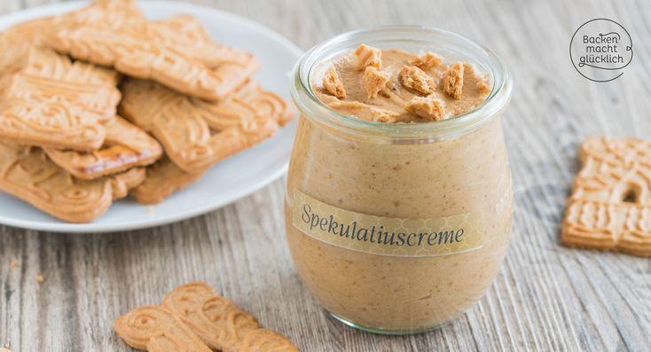 Kekse als Brotaufstrich: Diese selbstgemachte Spekulatius-Creme ist schnell gemacht, ein tolles Geschenk aus der Küche und einfach nur köstlich!