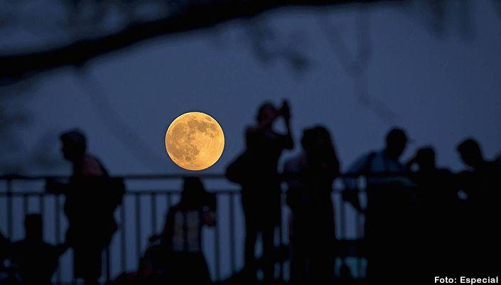 Mañana habrá superluna. San Miguel de Alllende  http://www.portalsma.mx/sma/index.php/noticias/2142-manana-habra-superluna #SanMigueldeAllende #SMA #Noticias #Eventos #Luna #Pasajes #GTO