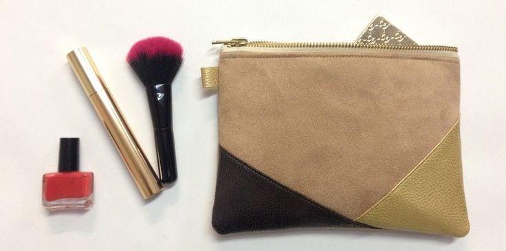 La pochette personnalisée est utile pour organiser un sac et ranger des petits objets. Avec ce tuto, créez votre pochette assortie à votre maroquinerie!