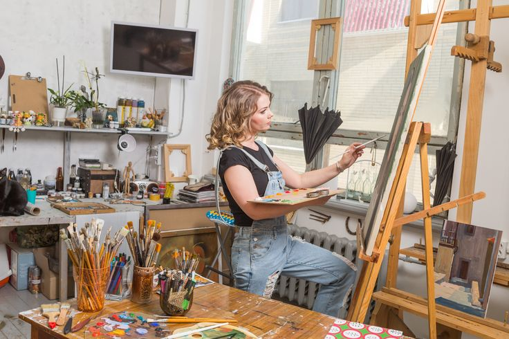 5 ways for artists to stop hoarding stuff