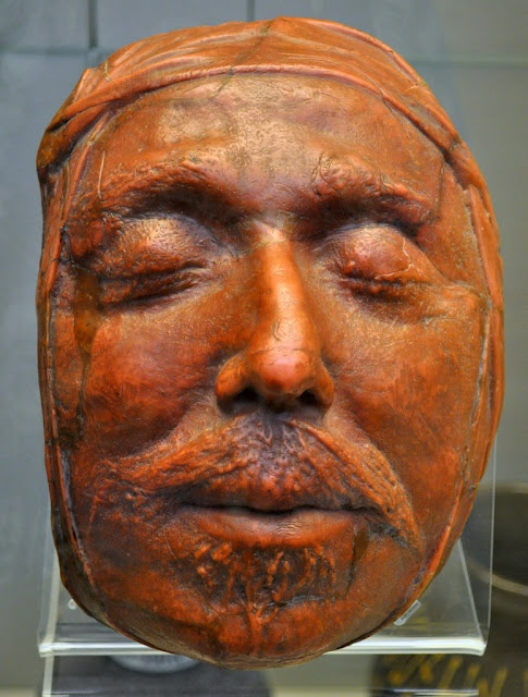 DEATH MASK OLIVER CROMWELL. Excellent mask! This looks like he could open his eyes at any moment