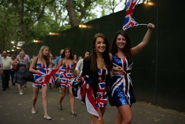 Wild fans of London 2012 - Great Britain fans celebrate the openning of the London 2012 Olympic Games at Hyde Park on July 27, 2012 in London, England. (Getty Images)